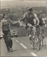 <h5>Sponge</h5><p>Handing up Bob a sponge at top of Brill Hill during the Wembley Road Race.</p>